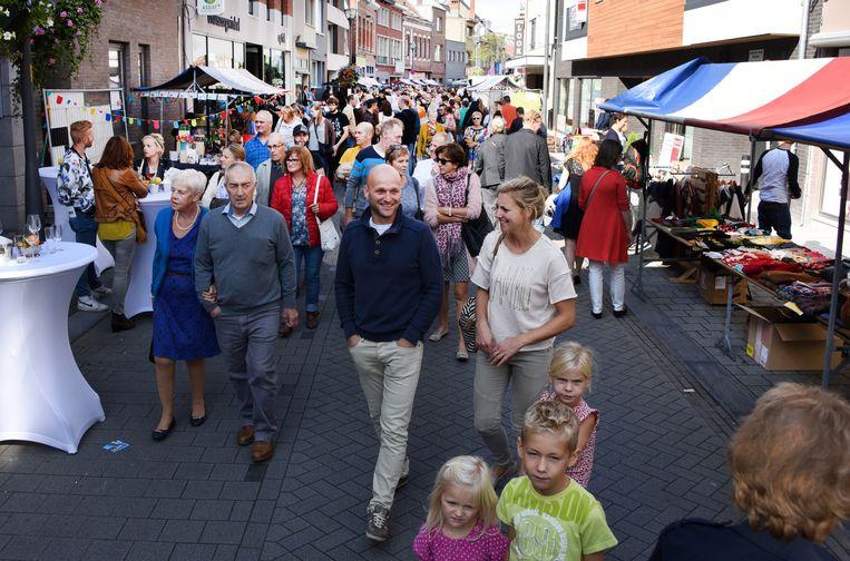 Er kwam veel volk opdagen voor de braderie in de Patersstraat.