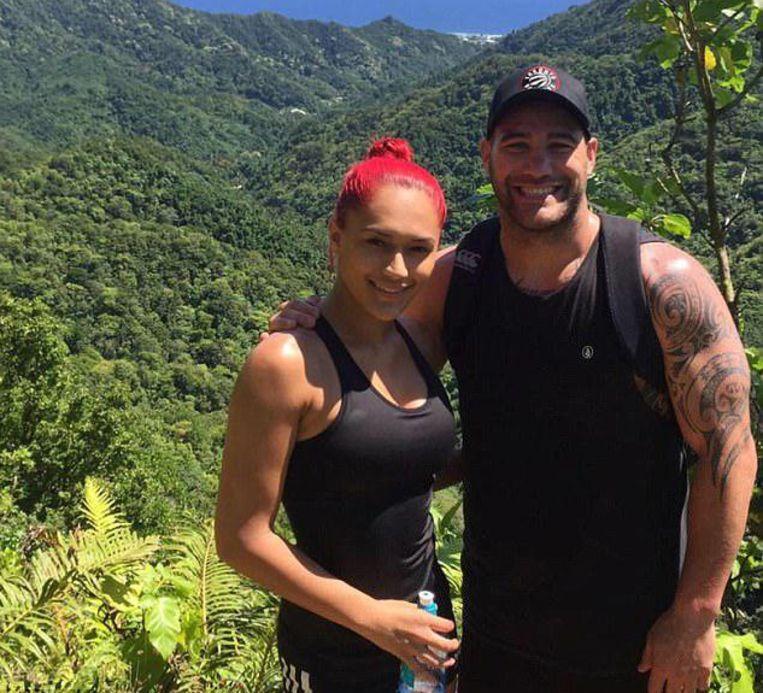 Thompson is nu samen met Nieuw-Zeelandse danseres Kaea Pearce.