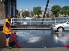 Bruggen krijgen opnieuw koude douche om vastlopen door hitte te voorkomen