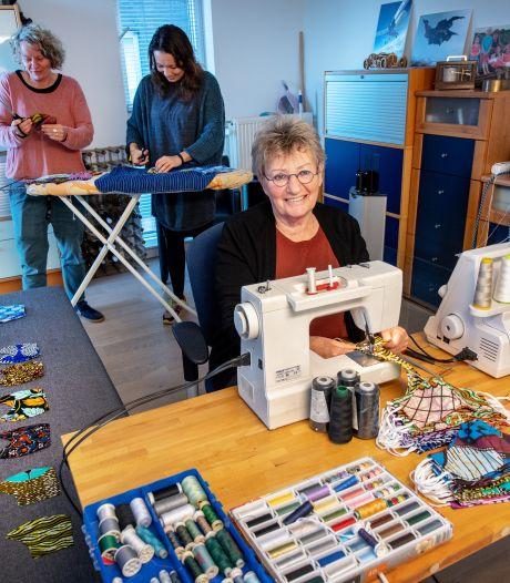 Betty van 78 is de motor van de 'mondkapjesfabriek'
