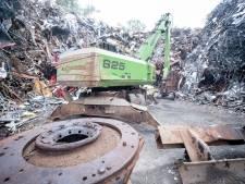 Moet oudijzerboer Hinnie uit Raalte zijn vier miljoen kilo schroot weghalen?