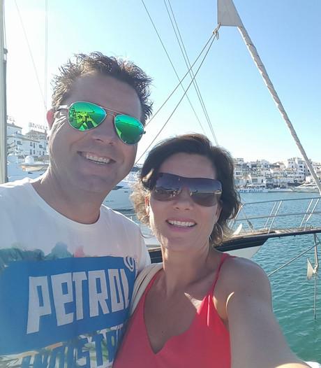 René krijgt tia in vliegtuig: 'Dankzij snel handelen crew heb ik nog een man'