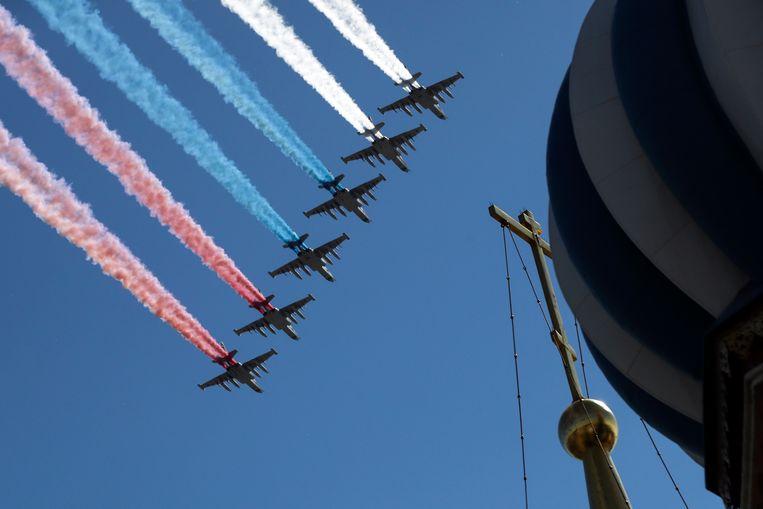 Su-25 jets zorgden voor een Russisch kleurenspektakel.