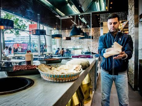 Raadslid opent restaurant: overdag spiezen op de grill, 's avonds de burgemeester