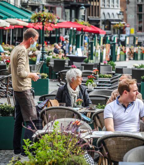 """Brugge laat ruimere terrassen al zeker tot begin januari 2021 toe: """"We herbekijken het hele reglement"""""""