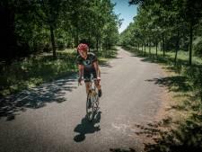 De malheid van het stadse achterlaten en op de pedalen oostwaarts!