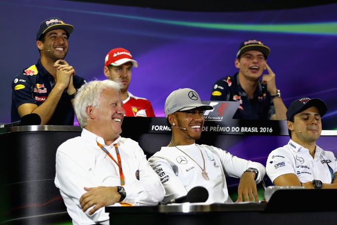 Charlie Whiting (l) was geliefd bij de Formule 1-coureurs. ,,Hij was een echte 'drivers man.''