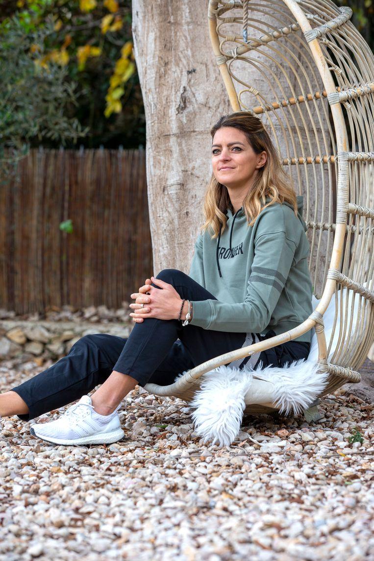 In dit interview vertelt ze hoe ze zichzelf enkele keren serieus tegenkwam, maar haar leven telkens weer een positieve draai wist te geven. Mét resultaat.