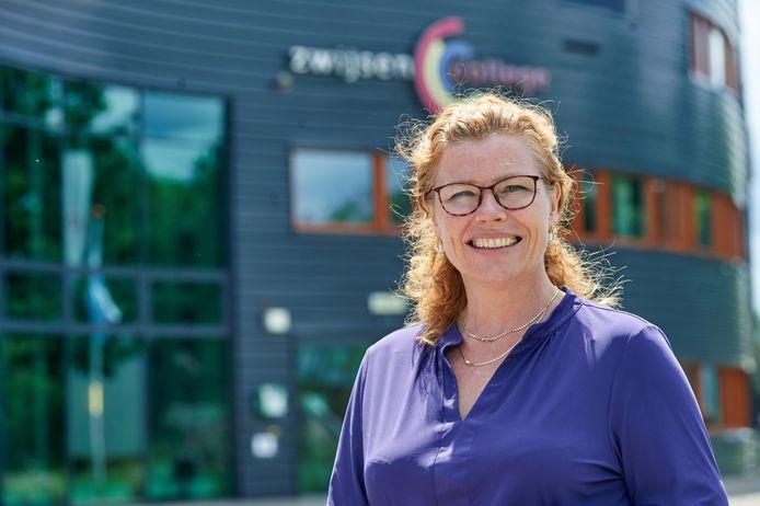 Barbara Sol neemt afscheid als directeur van het Zwijsencollege te Veghel. Fotograaf: Jeroen Appels/Van Assendelft
