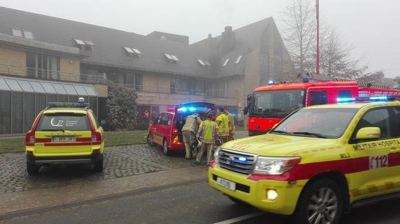 De brandweer was massaal ter plaatse aan het rusthuis.