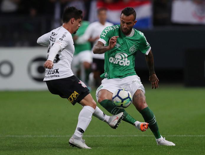 Leandro Pereira in actie tegen Corinthians, eerder dit seizoen.