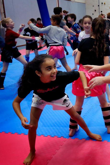 Sleeuwijkse kickboksers krijgen les van 9-jarig sporttalent