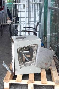 Inbrekers slijpen gat in dak én etagevloer om bij kluis te komen van vishandel 's-Heerenberg