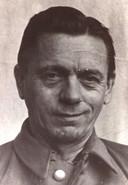 SD'er Karl Schwanz, alias Hendriks, was een van Gérard Kuijpers' Duitse vrienden. Hij werd na de oorlog ter dood gebracht voor zijn aandeel in de moord op drie geallieerde piloten in Tilburg en de arrestatie van Coba Pulskens.
