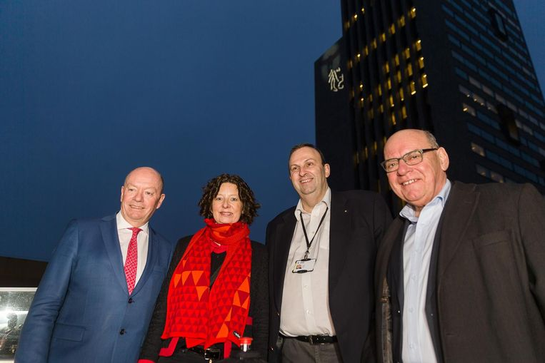 Gent maakt zich samen met gouverneur Jan Briers, schepen Annelies Storms, Frank Geets en burgemeester Daniel Termont op voor het Lichtfestival eind deze maand.