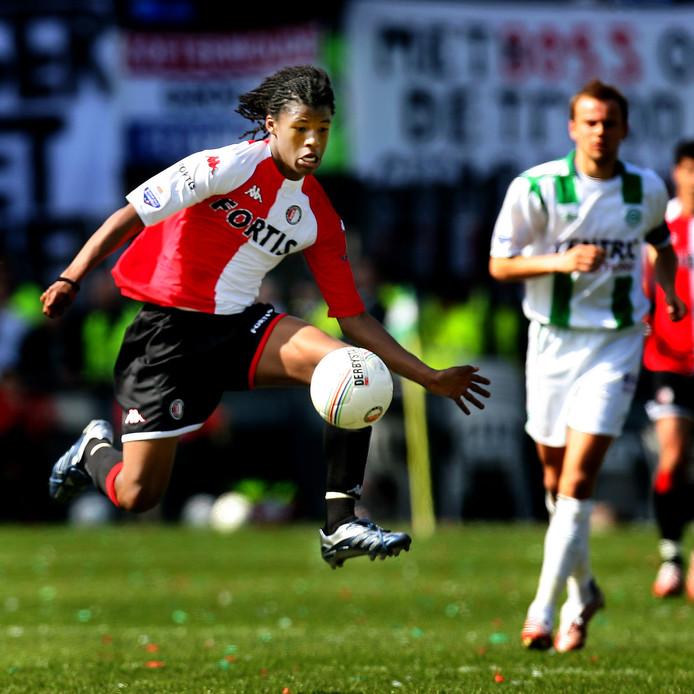 Georgino Wijnaldum bij zijn debuut voor Feyenoord tegen FC Groningen in 2007.