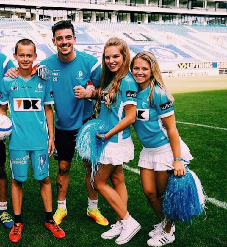 Archief: Thalia Decorte als cheerleader bij KAA Gent.