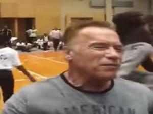 Arnold Schwarzenegger violemment agressé en Afrique du Sud