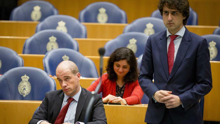 Diederik Samsom (PvdA) en Jesse Klaver (GroenLinks) komen samen met een klimaatwet. Beeld ANP