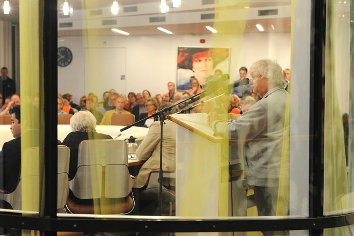 De raadzaal in Grave. De nieuwe coalitie zal het er moeten doen zonder de VVD.