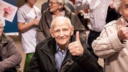 """Voorzitter Salar Azimi nodigt meer dan 100 bejaarden uit voor kerstdiner Patro Eisden: """"Ikzelf, de trainer en de spelers zullen hen bedienen"""""""