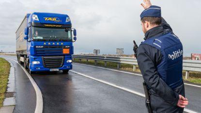 15 transmigranten springen uit vrachtwagen in Alveringem, maar worden geklist