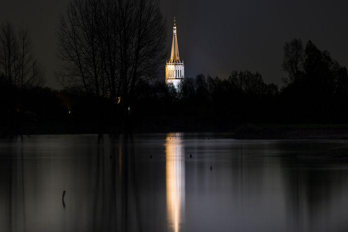 """Zendpiraat De Mosterdboer uit Doesburg zond begin februari  uit vanuit de toren van de Martinikerk. Nu heeft de Mosterdboer in het buitengebied van de Hanzestad zendapparatuur staan. ,,We zijn weer in de lucht."""""""