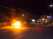 Auto in Dieren verwoest door brand