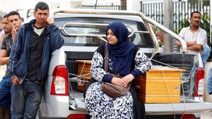 Vrees voor ruim honderd doden nadat boot met migranten zinkt