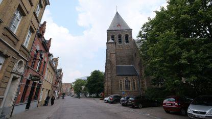 Komen er dienstencentra in de Sint-Pieterskerk? Stad start haalbaarheidsonderzoek voor herbestemming