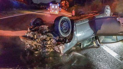 Gewond na spectaculaire crash op R0