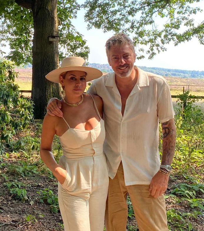 Olcay en Ruud bij de opnames van Hek van de dam.