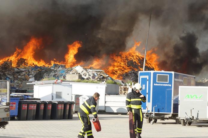 Een woordvoerder van Veiligheidsregio MWB gaat er vanuit dat er geen gevaarlijke stoffen vrij zijn gekomen.