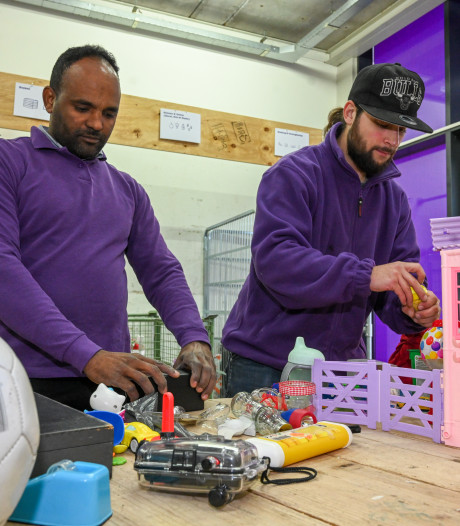 Kringloopwinkels staan klaar voor  afdankertjes van Sint en uit het kerstpakket