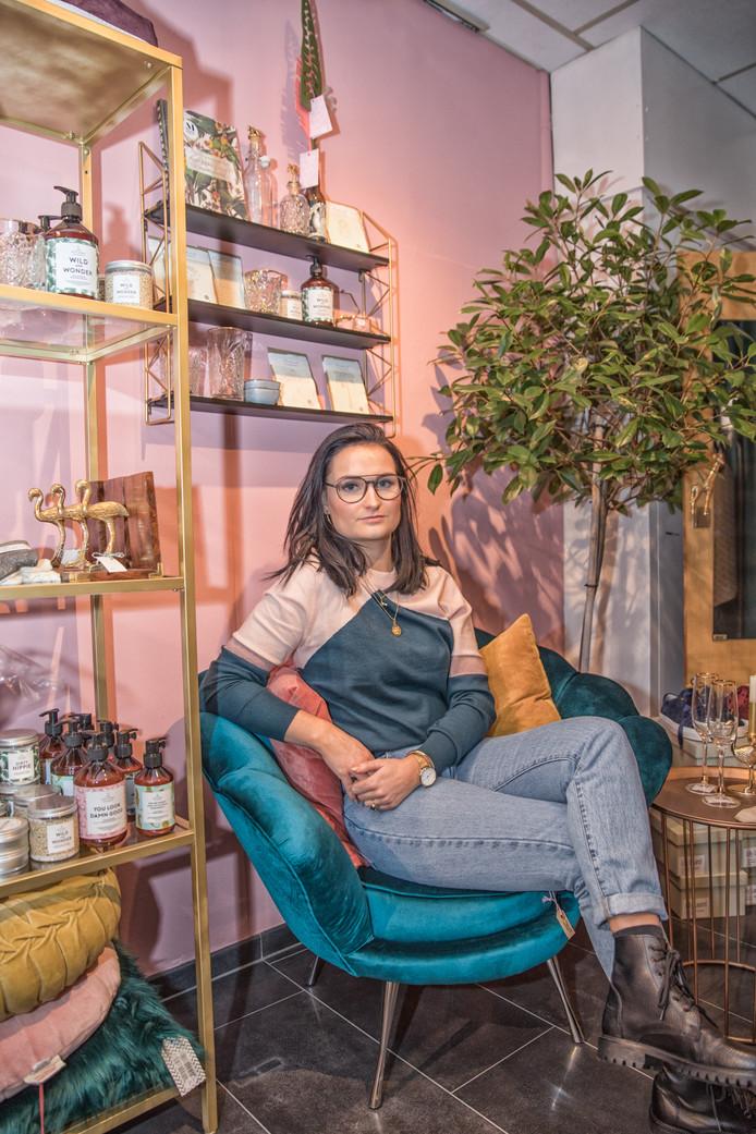 Amanda Reijerse in haar winkel Bubbles in Goes.