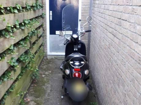 Klopjacht met bewoners De Leyens levert verdachte én gestolen scooter op