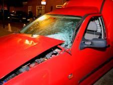 Twee auto's zwaar beschadigd geraakt in Den Bosch
