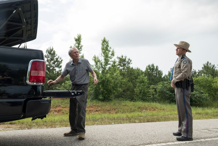 Clint Eastwood (links) in The Mule. Beeld Claire Folger