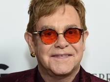Elton John pakt groots uit op zijn zeventigste verjaardag