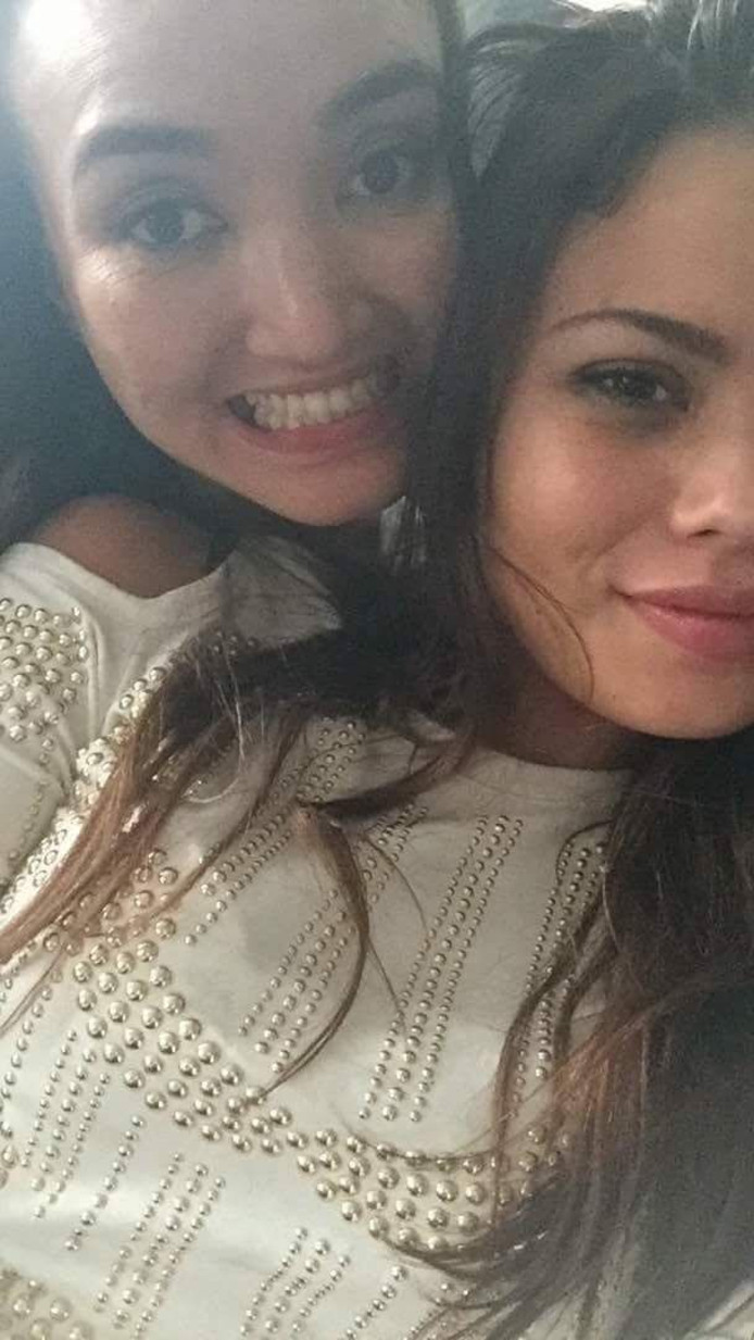 Ivana Smit (rechts) met Luna Johnson op een selfie die ze een paar uur voor haar dood naar haar vriend stuurde om hem gerust te stellen.
