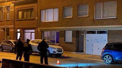 Opnieuw granaat ontploft én schoten in Deurne: schade aan woning en twee wagens