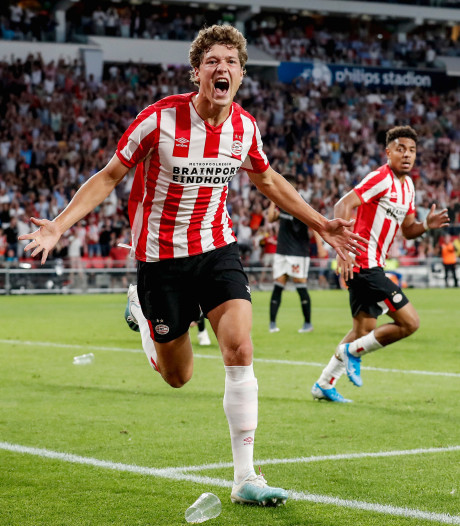 Lammers en Malen helpen PSV met late goals aan zwaarbevochten zege op FC Basel