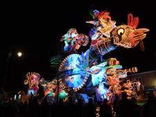 Lichtjesoptocht Standdaarbuiten: Van goudkoorts tot kerst op rijdende attracties