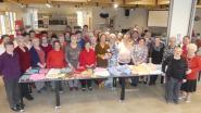 Schepen Van Hove bedankt vrijwilligers die breien voor Senegalese borelingen