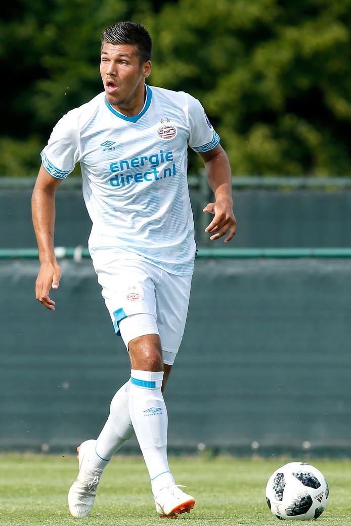 Joël Piroe is een van de talenten die met PSV mee is naar Zwitserland.