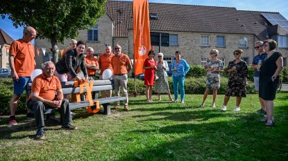 Zitbank op speelpleintje Gravenhuisstraat dankzij Landelijke Gilde