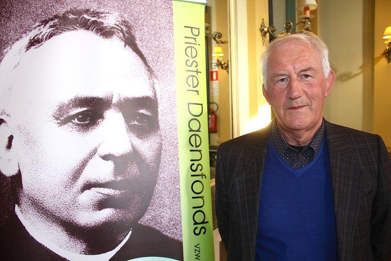Rik Strypens is de schrijver van 'Journalisten, opiniemakers voor en tegen het establishment. Lucien Jottrand en Pieter Daens.'.