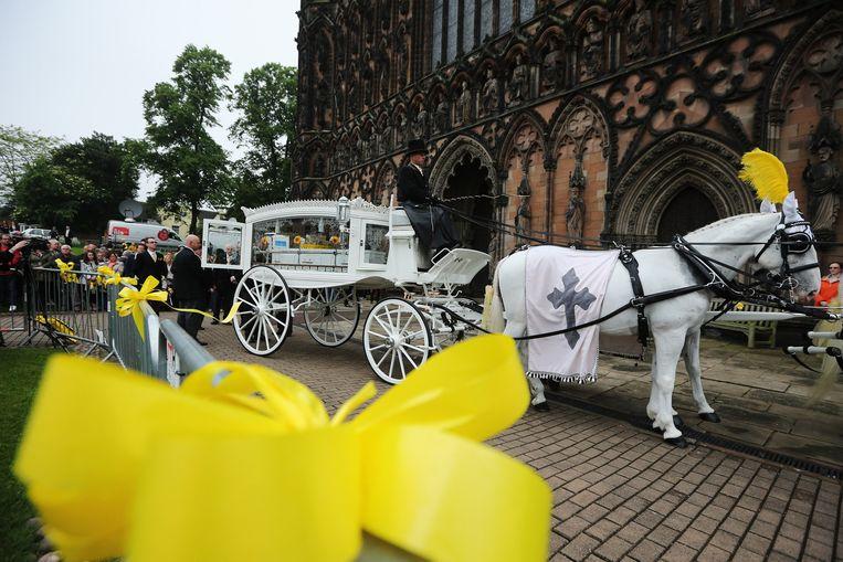 De hele stad was versierd met gele lintjes.