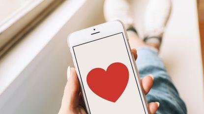 """Enkele lezers getuigen over hun zoektocht op Tinder: """"Als beginner is al dat swipen één grote adrenalinekick"""""""