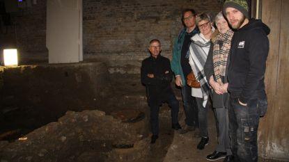 Sint-Niklaastoren geeft geheimen prijs: archeologen leggen klokkengieterij en skelet bloot